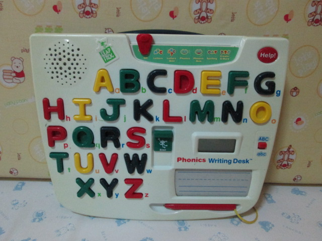 leapfrog phonics writing desk Toys r us became the first major retailer to carry the phonics desk shortly   the leapreader is an electronic reading and writing and writing system that.