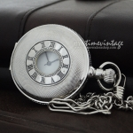 นาฬิกาพกสีเงิน ดีไซด์ Elegant Roman Design ระบบหน้าปัดเลข3อยู่ที่ก้านเม็ดมะยม (พร้อมส่ง)