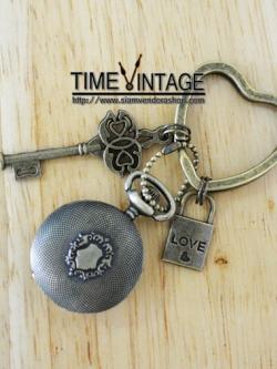 """**พร้อมส่ง** พวงกุญแจนาฬิกา ดีไซด์ """"Love-Lock-Key"""""""