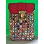 กระเป๋าหนังแก้วแบบถือหรือสะพายข้างสีแดงประดับพลอยค่ะ