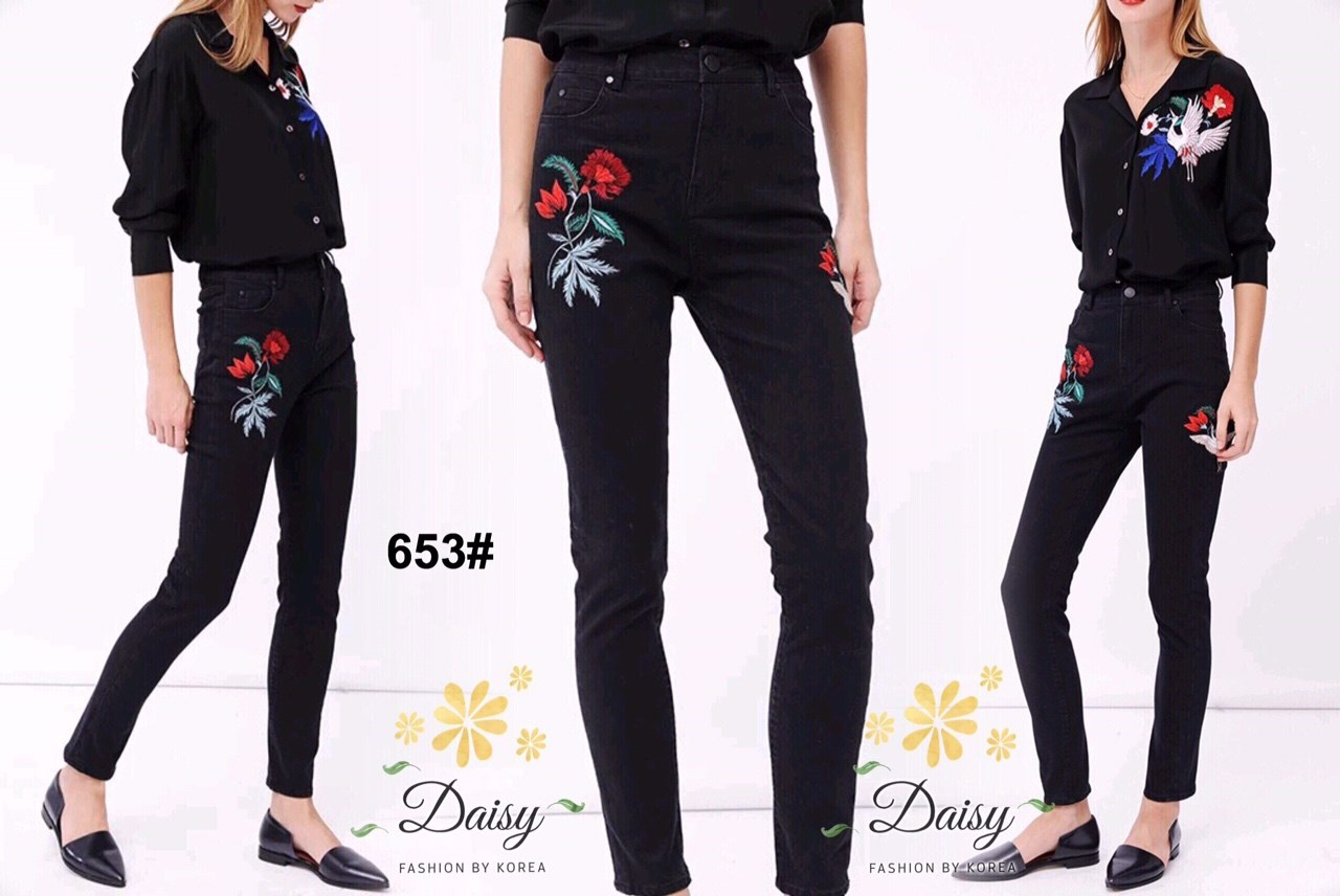 กางเกงยีนส์ทรงเดฟสีดำปักลายดอกไม้และนก