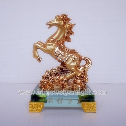 ม้าทอง6นิ้วฐานแก้วกำแพงก้อนทองsl015