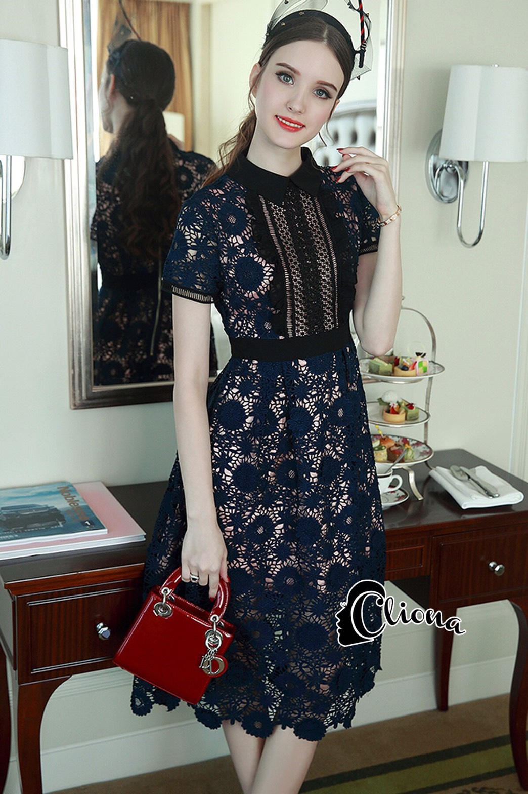 Long dress ฉลุสีกรม แขนสั้นซับในเย็บติดสีเนื้อช่วงอกยาวเหนือหัวเข่า