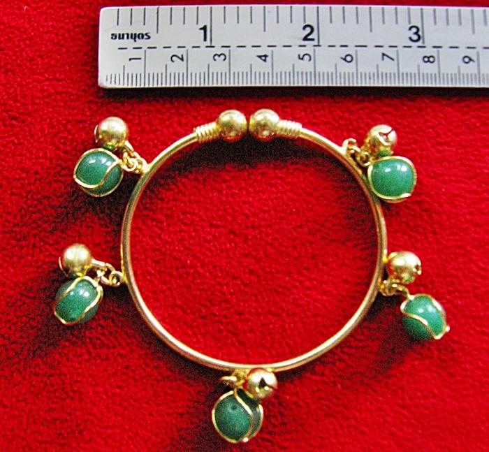กำไลข้อมือทองเหลืองหินหยกสีเขียว(มั่งคั่งร่ำรวย)ค่ะ