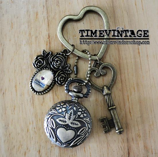 **พร้อมส่ง** พวงกุญแจนาฬิกา LOVE เซท B