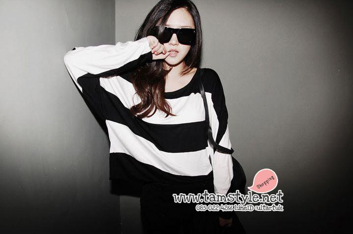 Top -086 เสื้อแฟชั่น เสื้อแขนยาว สีขาวดำ ลายขวาง อกฟรีไซต์ chic มากมายจ้า ((สินค้าพร้อมส่ง)