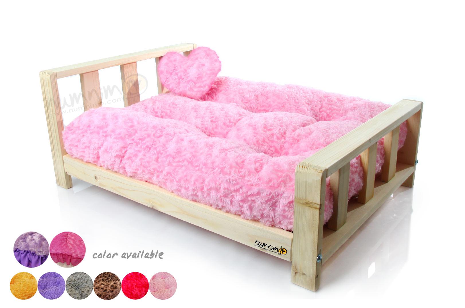 เตียงไม้สุดหรู (เบาะแบบไม่มีระบาย)