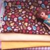 ผ้าคอตตอนสั่งงจากอเมริกาขนาด 22.5 x 27.5cm +ผ้าพื้นในไทยสีเหลือง 2 โทน ขนาด25x27.5 cm