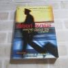 แฟรงก์ อบาเนล ยอดนักตุ๋น (Catch Me If You Can) พิมพ์ครั้งที่ 25 Frank W. Abagnale เขียน โรจนา นาเจริญ แปล
