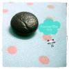 BPVC7 : กระดุมปั๊มผ้าหนังสีดำ ขนาด 1.5 cm ราคาต่อ 1/2 โหลค่ะ