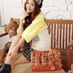 [Preorder] กระเป๋าสะพายข้างลายตารางประดับโบว์เก๋ๆ สี Camel Beauty new wave of female bag sweet plaid bow handbag female bag Post