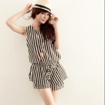 [Preorder] จั๊มสูทแฟชั่นแขนกุดลายทาง สีขาวดำ 2013 new summer Korean fashion stripe sleeveless double lotus leaf piece casual pants