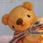 ตุ๊กตาหมีผ้าขนสีน้ำตาลทองขนาด 10 cm. - Muffin