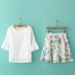 [Preorder] เซ็ทเสื้อแฟชั่นแขนสามส่วน + กระโปรงบานสั้นลายดอกไม้ (ไซส์ M L) 2015 summer new Korean fashion ladies horn sleeve chiffon blouse + fresh print skirts hedging Women