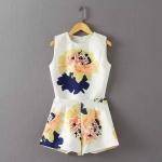 [Preorder] เซ็ทเสื้อแขนกุดแฟชั่นลายดอกไม้ + กางเกงขาสั้นลายเดียวกับเสื้อ สีขาว (ไซส์ S M L) European and American big 2015 summer new printing sleeveless Shi Shi same paragraph Slim waist shorts suit + vest