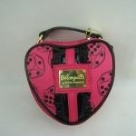 กระเป๋ารูปหัวใจใบเล็ก Betseyville by Betsey Johnson