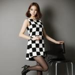 [Preorder] เดรสแฟชั่นแขนกุดสไตล์เกาหลีลายตาราง สีขาวดำ 2013 South Korea SZ Korean version of the classic black and white grid OL temperament Slim sleeveless vest skirt women's dress