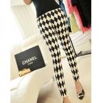 [Preorder] กางเกงแฟชั่นขายาวเข้ารูปเหมาะกับสาวไซส์เล็กๆ นะค่ะ สีขาวดำ Jingjing home 2013 spring new Korean women's straight jeans trousers significantly thin Lingge