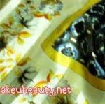 ผ้าพันคอ ผ้าคลุมไหล่พิมพ์ลาย : ลายไทยสีน้ำตาล-ครีม