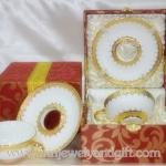 ชุดแก้วกาแฟสีขาวกล่องผ้าไหม