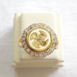 สินค้าหมดค่ะ แหวนกังหัน4ใบ รุ่นล้อมเพชร เสริมดวงเนื้อทองเหลืองชุบทองค่ะ