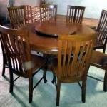 โต๊ะอาหารแกะลายเก้าอี้ 8 ตัว