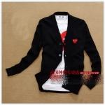 (พร้อมส่ง) เสื้อไหมพรมแขนยาว/Cardigan PLAY คอวี สีดำหัวใจแดง