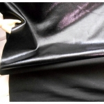 ผ้ายืดบั๊มพ์ (BUMP SPANDEX)~ดำ ผิวหน้าเหมือนหนังเทียมด้านหลังเป็นผ้ายืด ผ้าหน้ากว้าง 130 cm