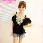 [Preorder] เสื้อแฟชั่นเปิดไหล่ประดับโครเช่ต์ดอกไม้สีดำ 2012 new summer Korean crochet strapless pleated chiffon shirt