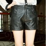 [Preorder] กางเกงหนังแฟชั่นขาสั้นประดับซิปด้านข้าง สีดำ 2013 spring new Women in leather pants thin waist casual female trousers