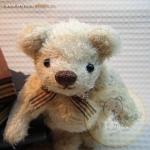 ตุ๊กตาหมีผ้าขนสีครีม ขนาด 14 cm. - Herbie