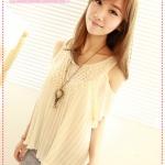 [Preorder] เสื้อแฟชั่นเปิดไหล่ประดับโครเช่ต์ดอกไม้สีครีม 2012 new summer Korean crochet strapless pleated chiffon shirt