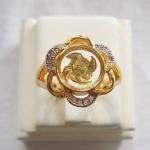 แหวนกังหัน4ใบ รุ่นดอกไม้ เสริมดวงเนื้อทองเหลืองชุบทองประดับเพชรค่ะ