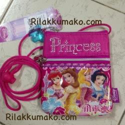 กระเป๋าห้อยคอ ลาย Princess ขนาด 4.5x5.5นิ้ว