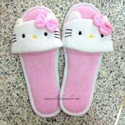 รองเท้าลาย คิตตี้ Hello Kitty ใส่เดินในบ้านหรือนอกบ้านก็ได้จ้า