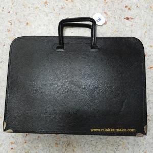 กระเป๋านักเรียน แบบถือ สีดำ มี3ช่อง