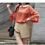 Chu ViVi เสื้อแฟชั่นคอบัวแขนสี่ส่วนพิมพ์ลายสีส้มอิฐ thumbnail 2