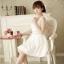 B.B.Girl เดรสเจ้าหญิงสีขาว ผ้าชีฟองเกาหลี แอบเซ็กซี่ช่วงเองด้วยผ้าโคเชลายดอกไม้ thumbnail 8