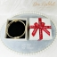 กล่องของขวัญแบบฝาครอบ สีครีมคาดริบบิ้นแดง ทรงสี่เหลี่ยมจตุรัส thumbnail 3