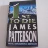 สุมหัวสืบ (1st To Die) เจมส์ แพตเตอร์สัน เขียน สุวิทย์ ขาวปลอด แปล***สินค้าหมด***