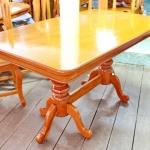 โต๊ะอาหารไม้สักสี่เหลี่ยม