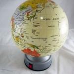 ลูกโลกขนาดเส้นรอบวง 14 Cm.(ภาษาอังกฤษ)