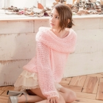 [Preorder] เสื้อกันหนาวแฟชั่นแขนยาว สีชมพู Large lapel hollow hook knitting word