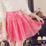 ♥♥ สีชมพูพร้อมส่ง ♥♥ กระโปรงสั้นลายกลีบดอกไม้โทนสีชมพูหวานๆ สวมใส่สบาย ด้านหลังเป็นสม็อกยืดตามขนาดตัวผู้สวมใส่
