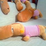 ตุ๊กตาฮิปโป หน้าตากวนๆๆๆ ประกอบซีรี่ย์ Smile again ขนาดเล็ก 0.6 เมตร เสื้อสีชมพู