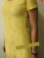 (พร้อมส่ง)เดรสลูกไม้สีเหลือง เป็นผ้าถักๆแบบโครเชค่ะ ไม่คัน ไม่แข็ง ซับในสีครีม ไม่รัดรูปมาก ใส่แล้วสวยมากค่ะตัวนี้ สีเหลืองขับผิว