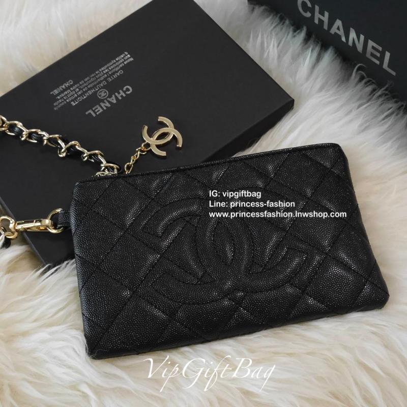 กระเป๋าคล้องมือ Purse ใบเล็กน่ารัก ทรงสวย จากงาน รุ่นใหม่ล่าสุด ที่สาวๆหลายคนรอคอย Vip กับ ขนาดกะทัดรัด หนังคาเวียร์แน่น Chane Bag Gift