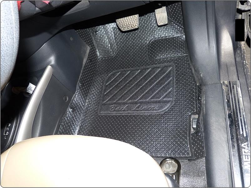 ยางปูพื้นรถยนต์ ALMERA รุ่นMiniMat กระดุมเม็ดเล็ก PVC รีดขอบ สีดำ (เต็มคัน) สวยงามเข้ารูป ทนทานที่สุด...ส่งฟรี
