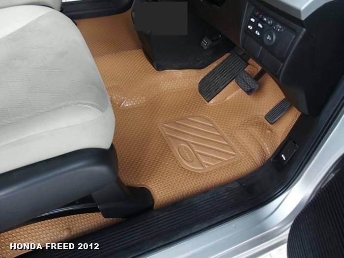 พรมปูพื้นรถยนต์ HONDA FREED 2012 กระดุมเม็ดเล็กรีดขอบ สีชามัวร์ เต็มคัน