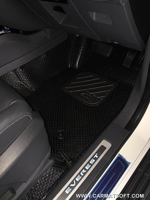 ยางปูพื้นรถยนต์ NEW EVEREST รุ่นMiniMat กระดุมเม็ดเล็ก PVC รีดขอบ สีดำ (เต็มคัน) สวยงาม หรูหรา แนวสปอร์ต เข้ารูป 100% ทนทานที่สุด ...ส่งฟรี